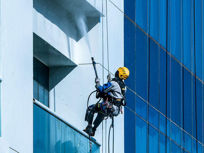 brisbane high rise building cleaner gold coast
